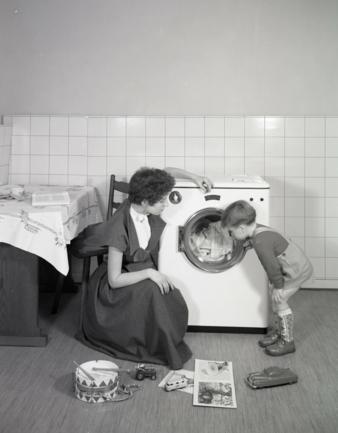 Constructa-erste-Waschmaschine.jpg