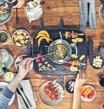 Raclette-Fondue-Set-Family.jpg
