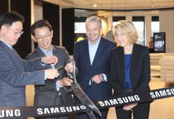 Samsung-Showroom.jpg